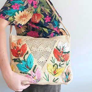 1960's Woven Souvenir Bag w Embroidered Flowers
